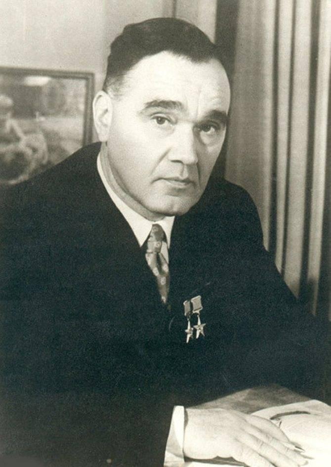 Александр сергеевич яковлев: краткая биография