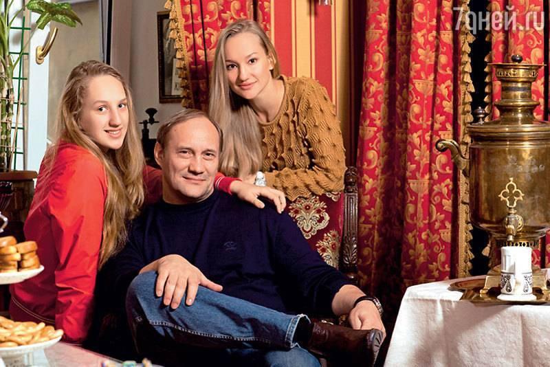 Личная жизнь евгения сидихина: фото, семья актера, жена, дети