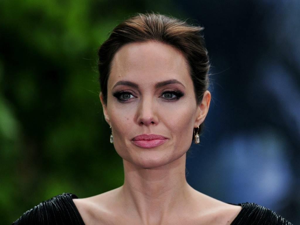 Анджелина джоли: мужья и мужчины. личная жизнь