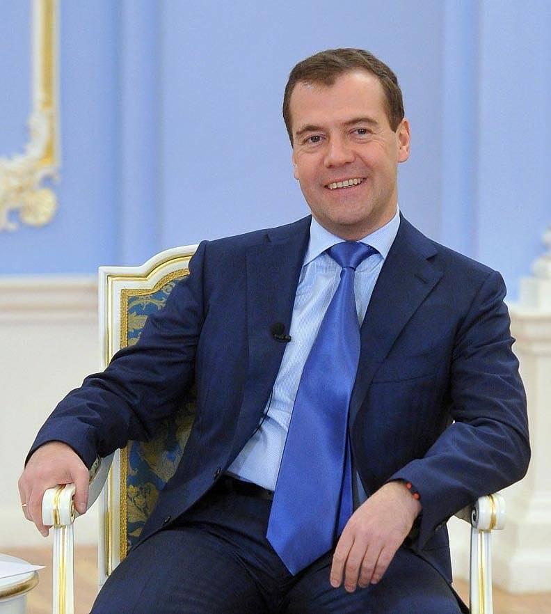 Дмитрий медведев - биография, информация, личная жизнь