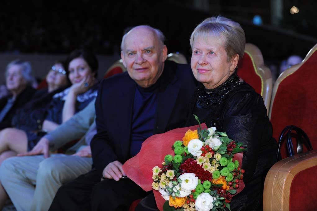 Александра пахмутова: биография, личная жизнь, семья, муж, дети — фото
