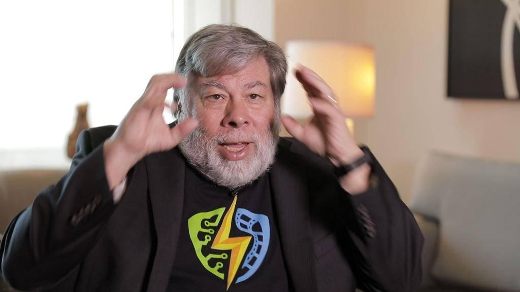 Стив возняк – сооснователь apple, создавший компьютеры, калькуляторы, пульты и дисководы