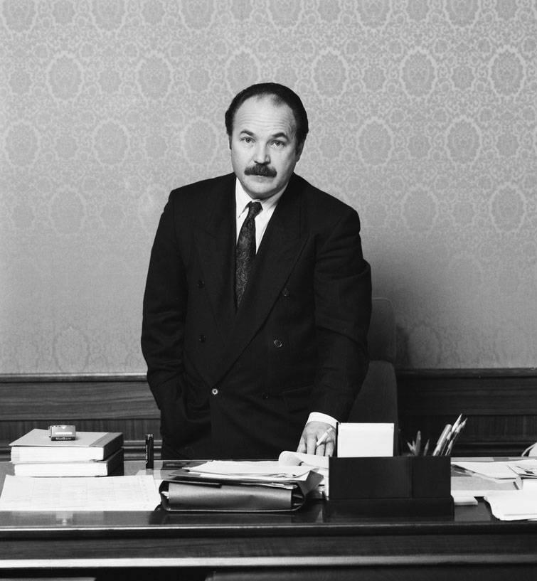 Биография актера николая губенко   краткие биографии