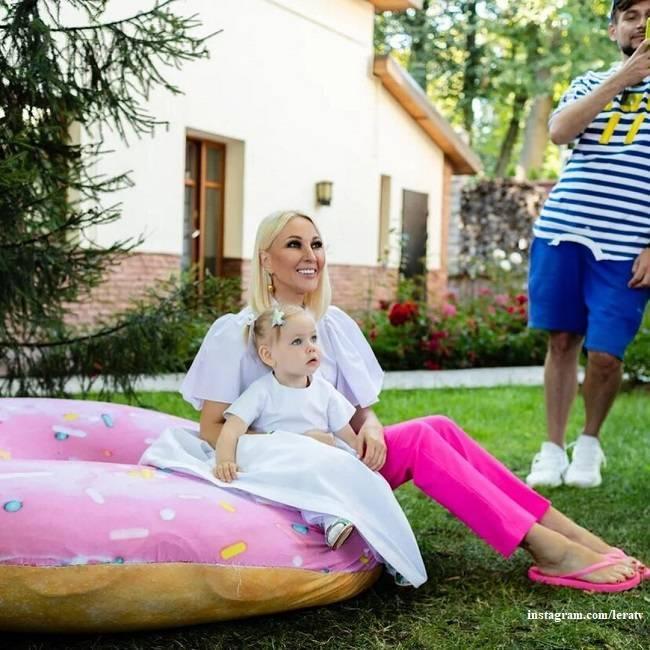 Лера кудрявцева сегодня: беременна или нет, фото живота, когда родит, личная жизнь, биография | инфо-сми