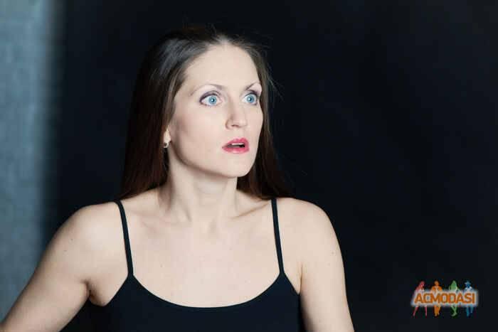 Рина гришина сравнивает свою героиню с золушкой и рассказывает о самом нелепом ограблении в эксклюзивном интервью киноафиши