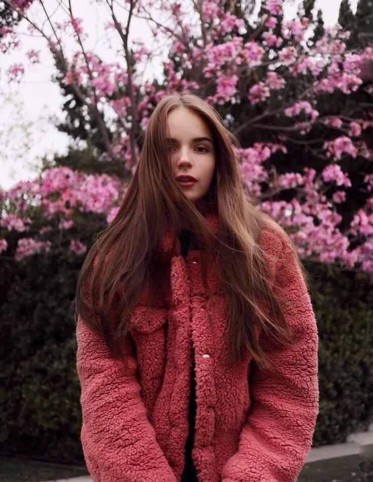 Саша спилберг (александра балковская) – блогер, актриса, певица, модель