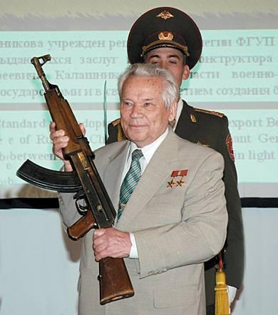 Михаил калашников – биография, фото, личная жизнь, медаль и памятник конструктору