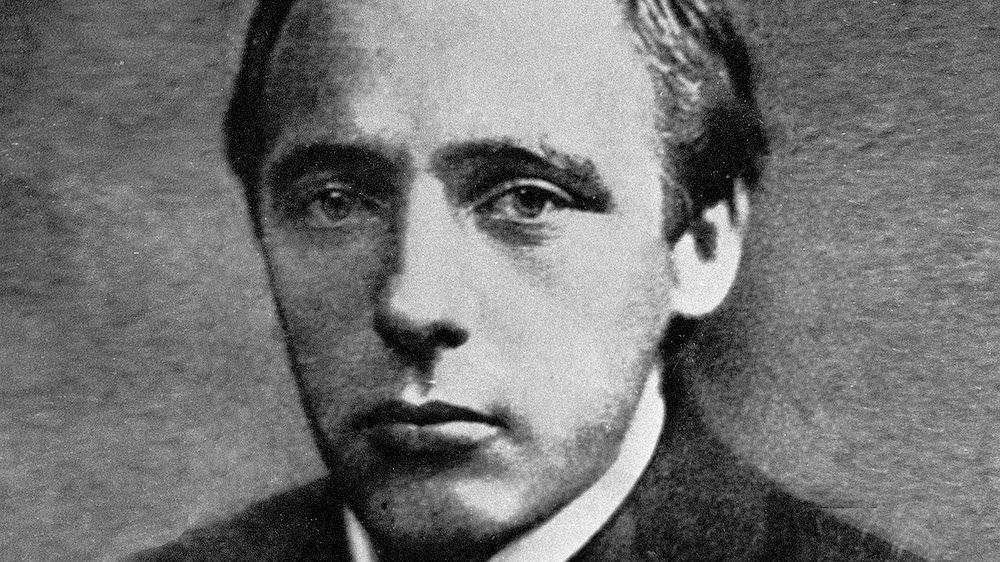 Он не умел умываться, но предсказал появление интернета: 135 лет со дня рождения поэта велимира хлебникова и удивительные воспоминания о нем