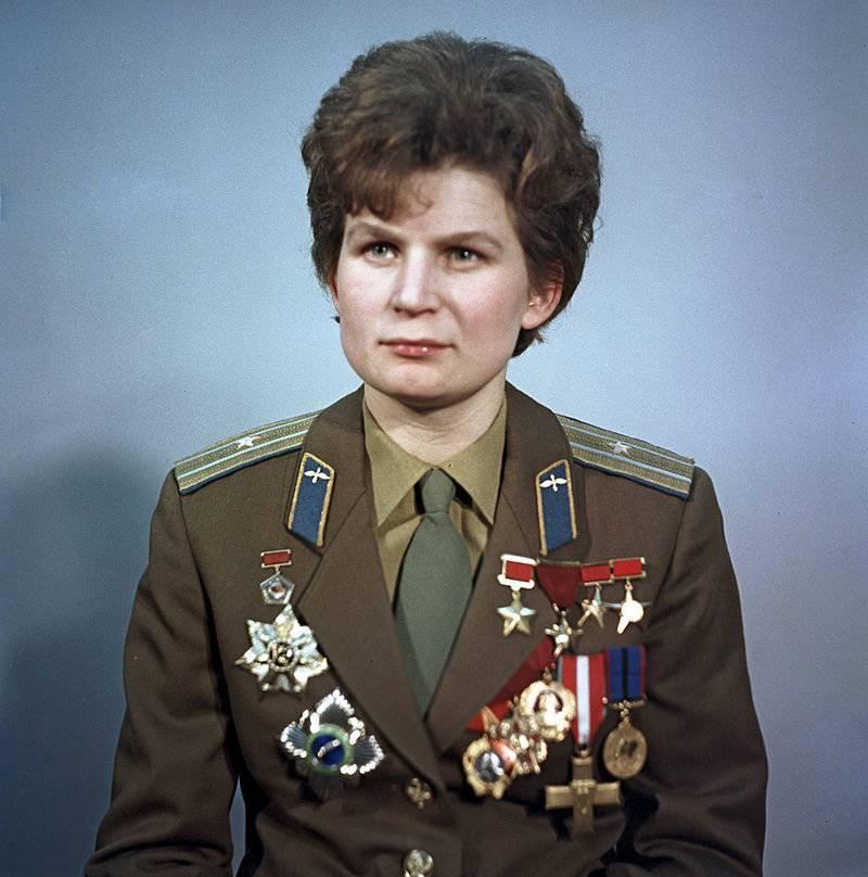 Космонавт валентина терешкова: краткая биография, муж, личная жизнь, сколько лет