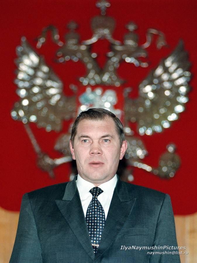 Александр лебедь: биография, семья, карьера, гибель :: syl.ru