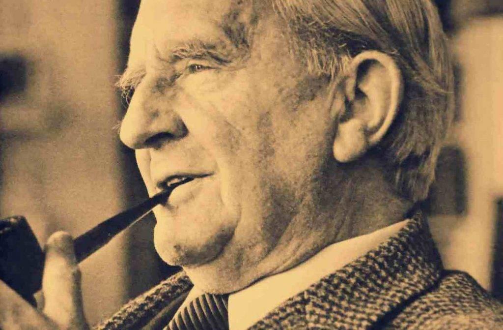 Краткая биография джон толкин (john tolkien) | гуманитарные науки, писатели