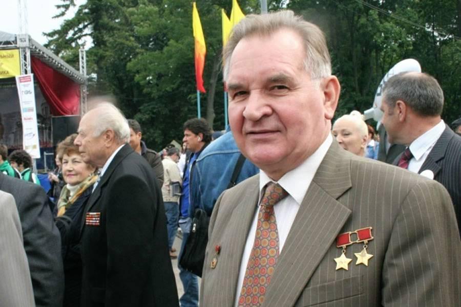 Валерий кубасов