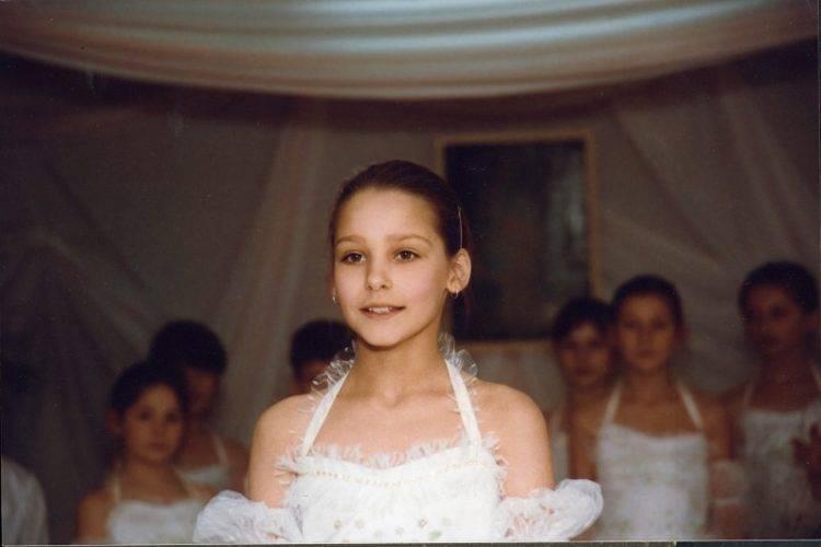 Глафира тарханова: любимая актриса и мать четырех детей   adrin