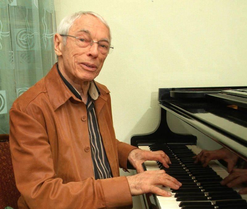 Антон зацепин – биография, личная жизнь, фото, новости, песни, «широка река», надежда кадышева 2021 - 24сми