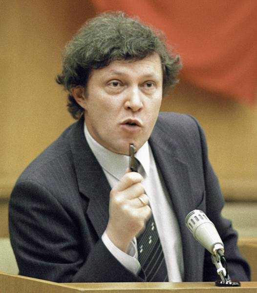 Явлинский во времена ссср трудился в правительстве и был инициатором экономических реформ
