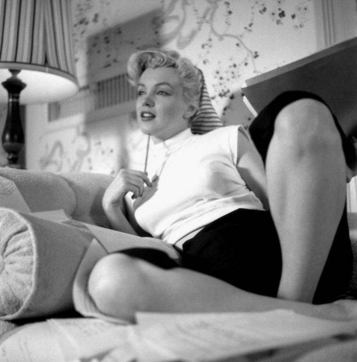 Мэрилин монро: фото до пластики, фильмы, биография, причина смерти, фигура, рост, вес, кеннеди, тайны, без макияжа