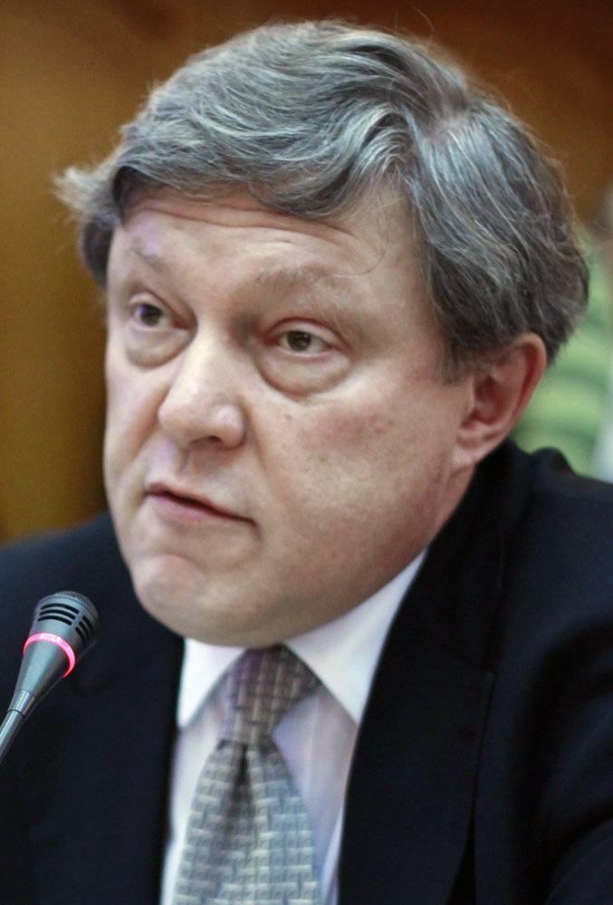 Краткая биография явлинского