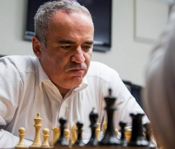 Гарри каспаров: биография, личная жизнь, жены, дети, звания, награды, лучшие игры и фото шахматиста