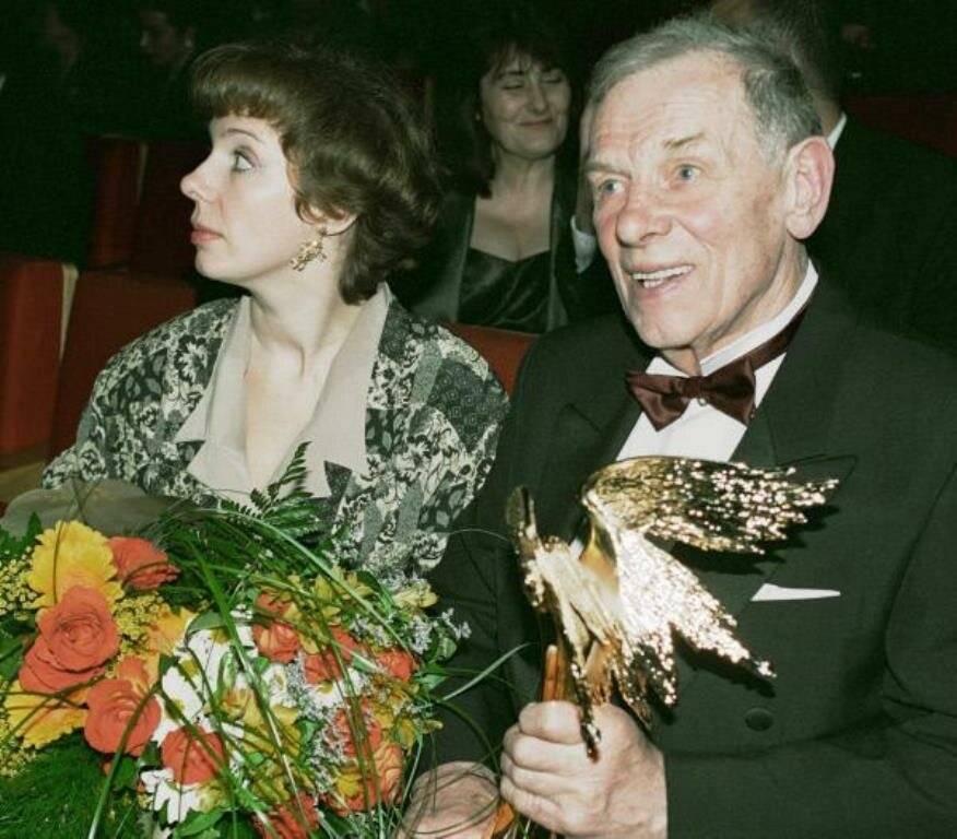 Георгий жженов: загубленная молодость в лагерях и четыре жены знаменитого «резидента» | вкус популярности
