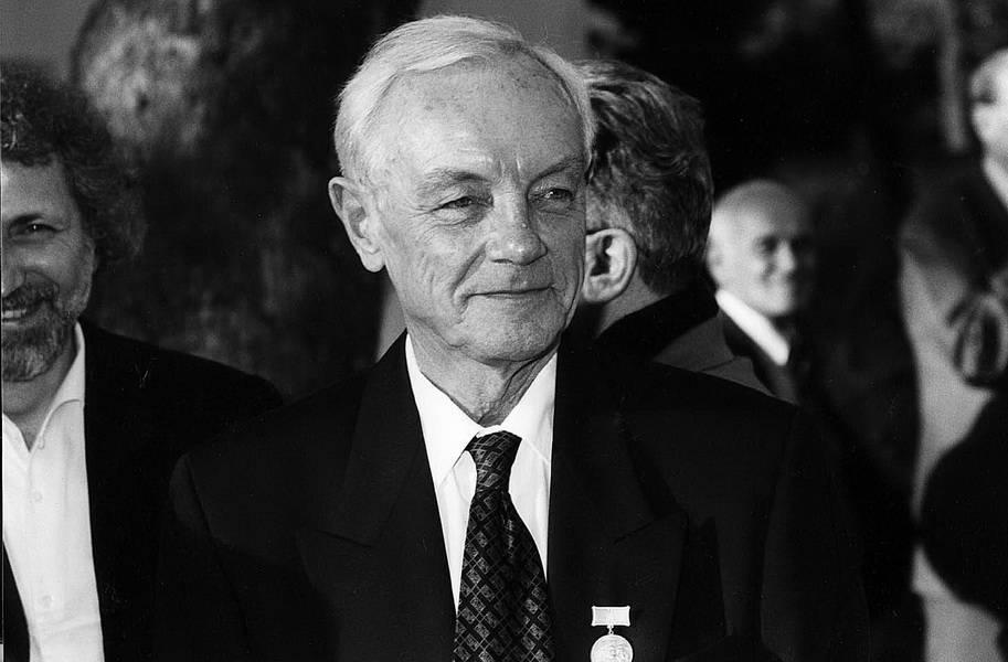 Лавров, кирилл юрьевич — википедия