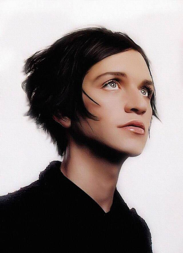 Brian molko: photos, biography, age, height, personal life, songs, news 2021