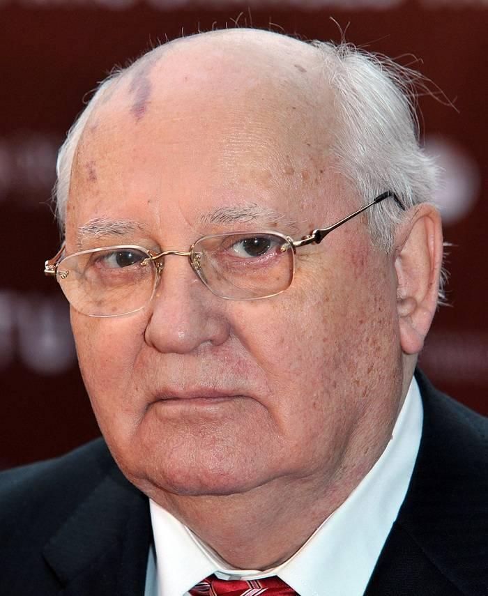 Михаил горбачев – биография, карьера, фото, состояние, семья и дети