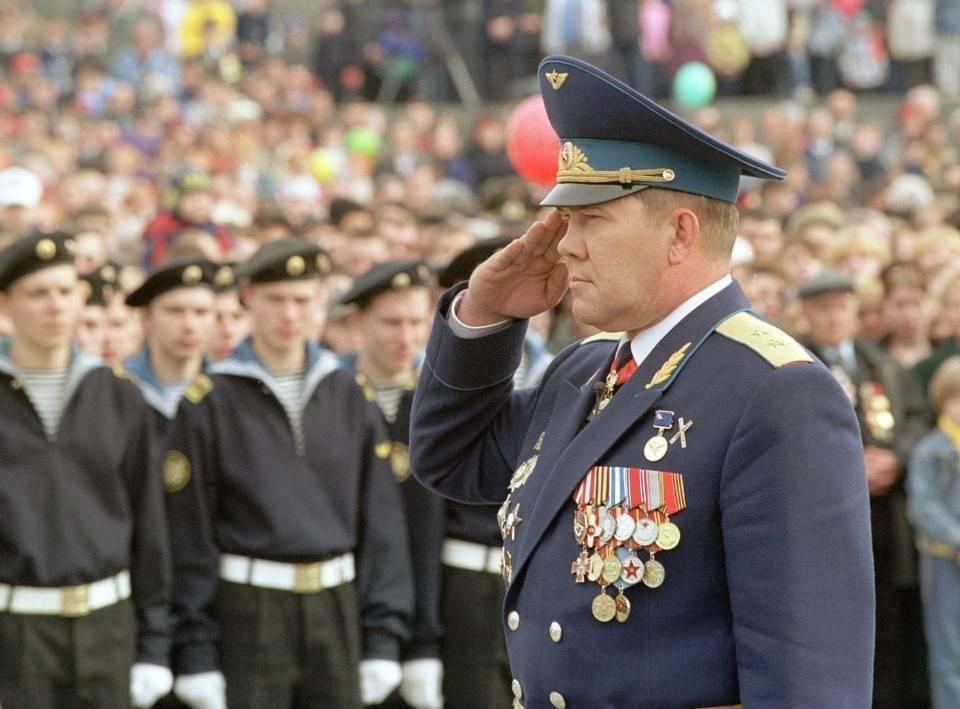 Александр лебедь: главные тайны самого известного российского генерала | русская семерка