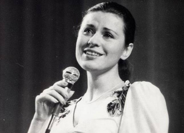 Валентина толкунова ℹ️ биография, личная жизнь, мужья, сын, судьба певицы, причина ухода из жизни, список песен
