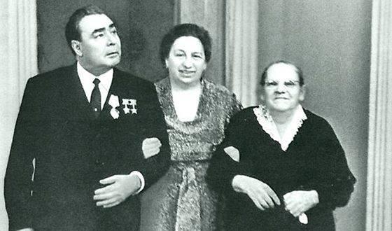 Брежнев леонид ильич: биография, творчество, карьера, личная жизнь