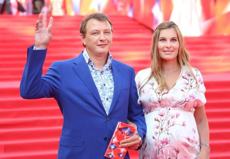 Марат башаров — фильмы и биография актера, личная жизнь и отношения с женами
