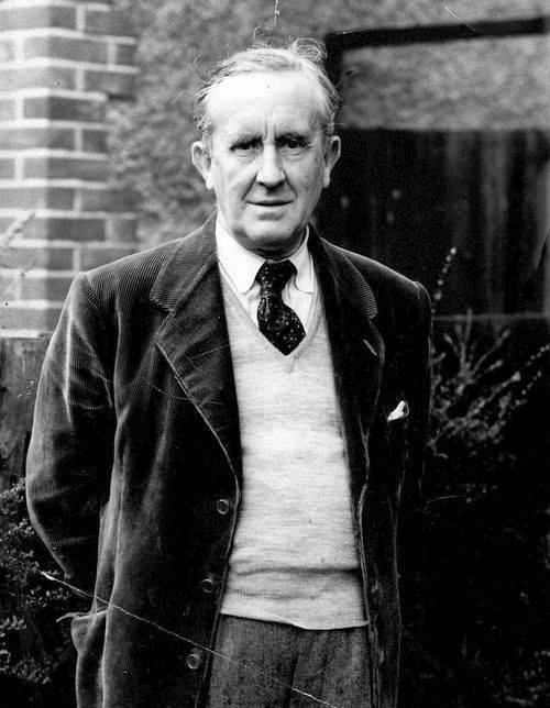 Умер джон рональд руэл толкин, английский писатель, лингвист, филолог, автор всемирно известной трилогии «властелин колец».