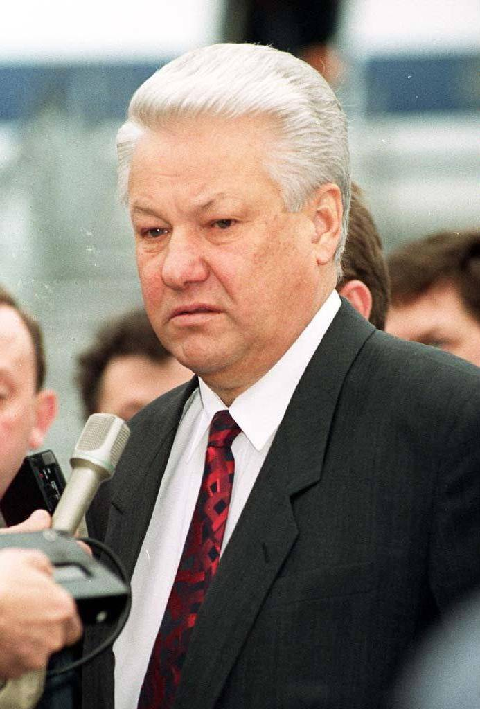 Кто такой президент ельцин борис николаевич: биография и время правления одиозного политика