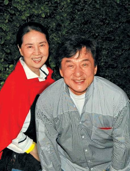 Джеки чан: личная жизнь, как родился, дом и семья, фото, биография, дети, факты из жизни