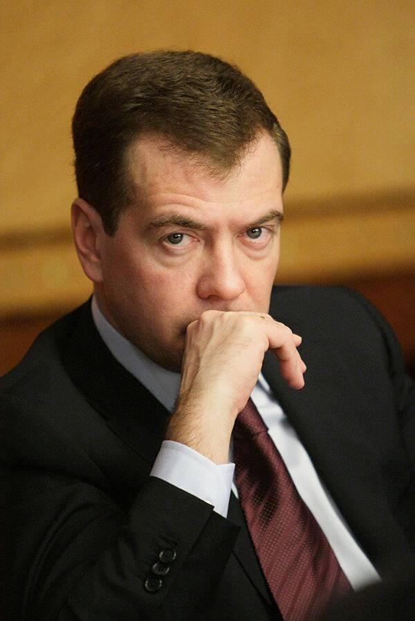 Анатолий медведев: биография, фото отца дмитрия медведева