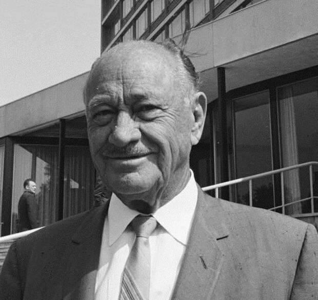 Конрад хилтон - биография