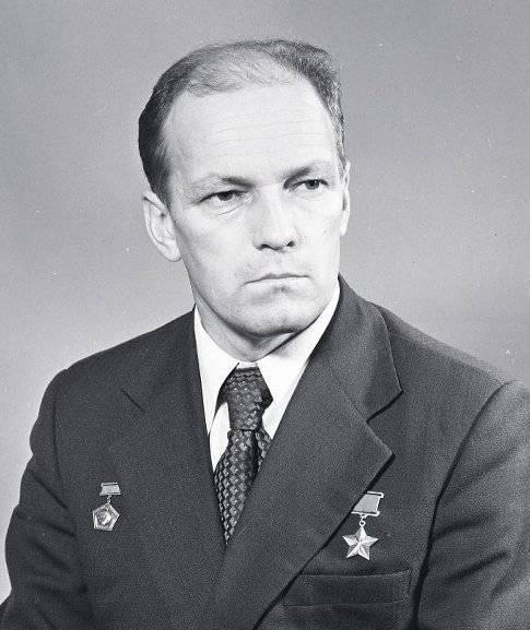 Рукавишников, иван сергеевич