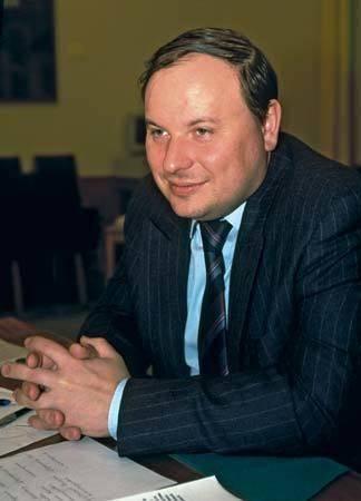 Егор гайдар: биография, творчество, карьера, личная жизнь