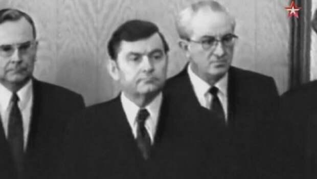 Водка и порядок: чем запомнился советским людям юрий андропов | статьи | известия