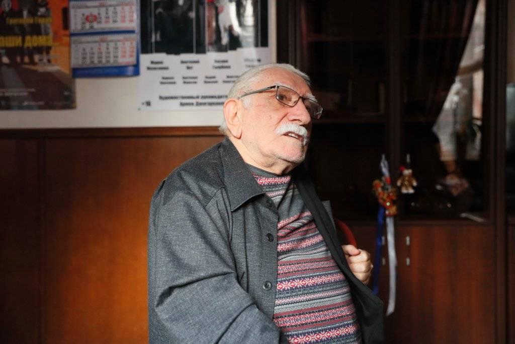 Как армен джигарханян стал звездой театра и кино