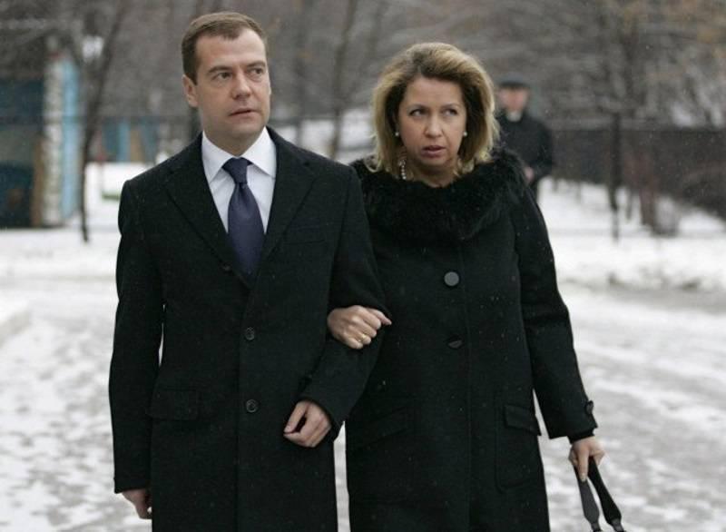 Дмитрий медведев — фото, биография, личная жизнь, новости, политик, государственный деятель 2021 - 24сми