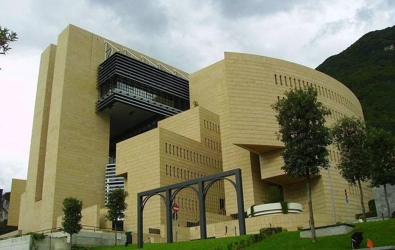 Архитектор марио ботта
