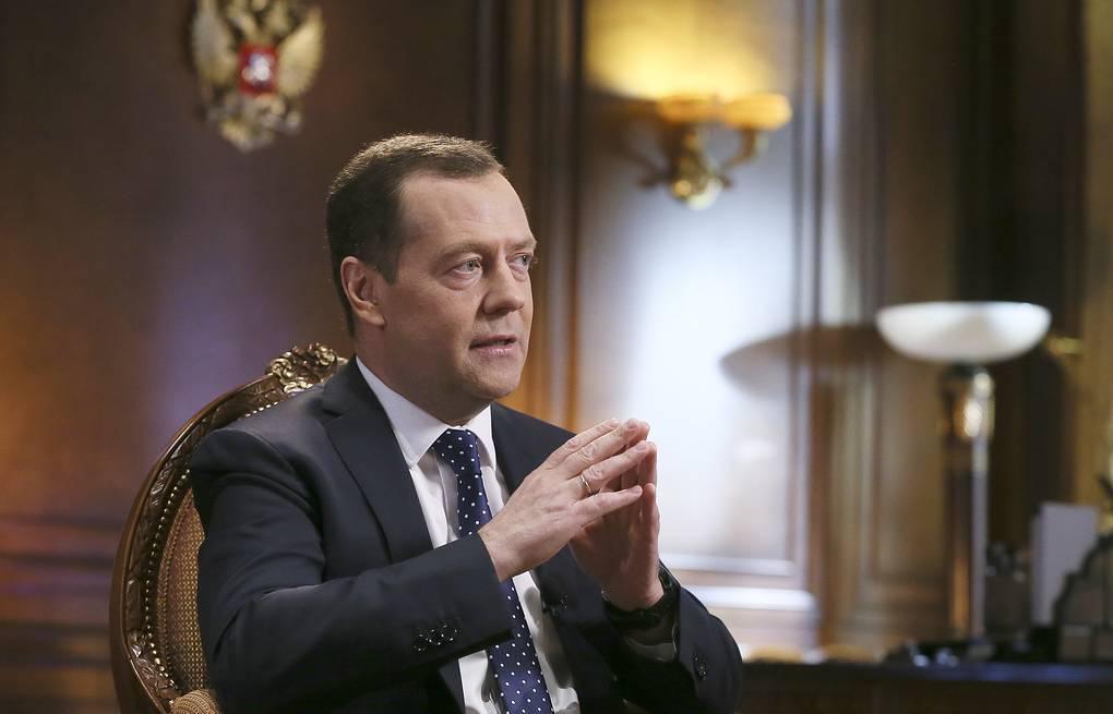 Медведев дмитрий анатольевич биография, национальность, семья и личная жизнь премьер-министра кратко