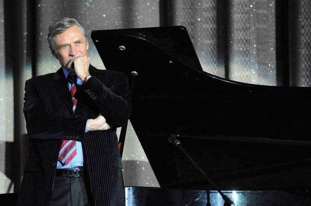 Биография актера александра михайлова