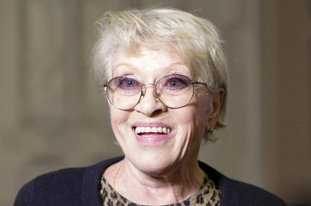 Алиса фрейндлих: биография, сколько лет, личная жизнь, дочь, фото сейчас, фильмы, национальность, муж, внуки