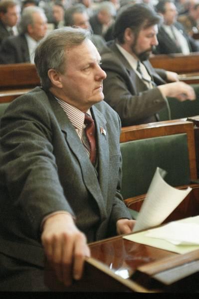 Анатолий собчак: биография, политическая карьера, дата и причина смерти :: syl.ru