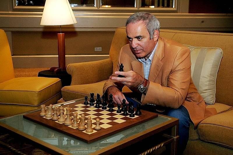 Кто такой гарри каспаров: биография гениального шахматиста. где живет сейчас, чем занимается, кому проиграл и кого победил политик.