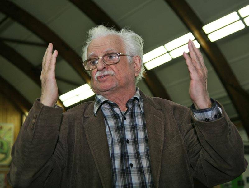 Биография и творчество марлена хуциева. список фильмов
