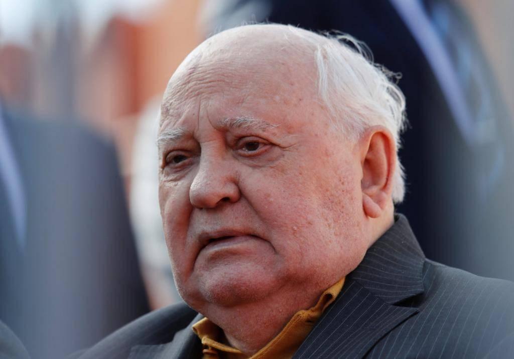 Биография горбачева михаила сергеевича   краткие биографии