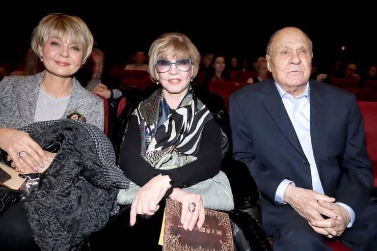 Юлия меньшова – биография и личная жизнь ведущей с мужем и детьми, фото и фильмы с участием актрисы